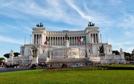altar of fatherland: ROME, ITALY - SEPT. 22,2015 -Altar of the Fatherland (Altare della Patria) known as the Monumento Nazionale a Vittorio Emanuele II (National Monument to Victor Emmanuel II) or Il Vittoriano in Rome, Italy