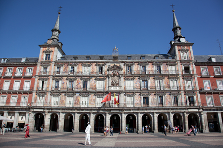 mayor: SPAIN, MADRID - SEPTEMBER 24, 2013: Tourists on Plaza Mayor. Plaza Mayor - one of central squares of the Spanish capital