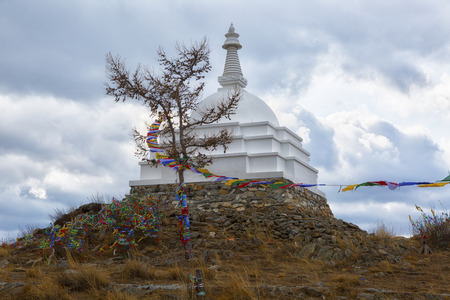 Buddhist Stupa of Enlightenment on the island Ogoy, lake Baikal, Russia 免版税图像