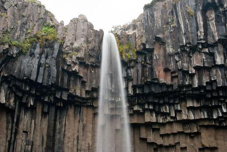 Svartifoss - Wasserfall in der Basaltwand - Island