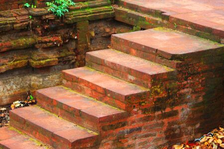 The steps of the stairs have not been touched by people for a long time