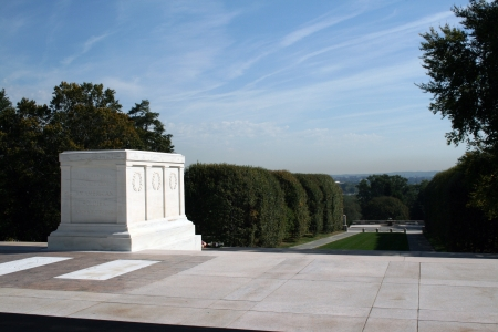 The U S  Tomb of the Unknown Soldiers at the Arlington National Cemetery in Arlington, Virginia just across from Washington, DC  Stock fotó