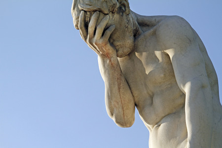 Gesichtspalmenstatue in Paris, Frankreich