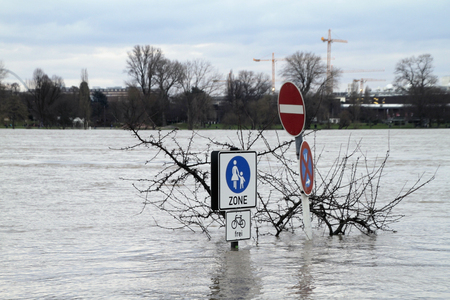 Extreme weather: Flooded pedestrian zone in Cologne, Germany
