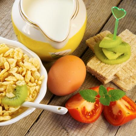 comiendo pan: Alimentos saludables