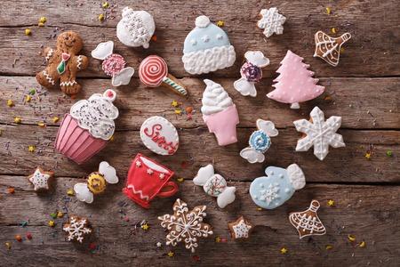 colores pastel: Pan de Navidad en colores pastel en la mesa. Horizontal vista superior de fondo Foto de archivo