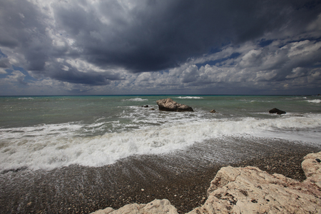 paisaje mediterraneo: Mediterranean landscape. Sea before the storm. View from the shore