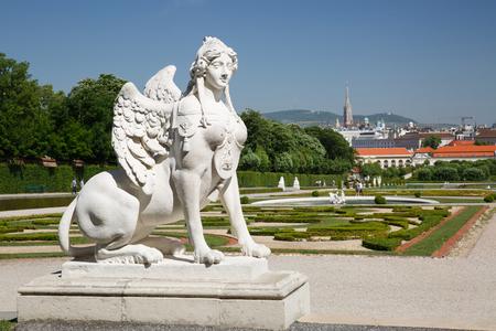 Sfinxstandbeeld, Belvedere-tuinen in Wenen, Oostenrijk. Stockfoto