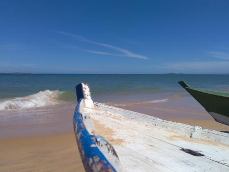 Boats and sea in Itapuas beach - A calm scenne