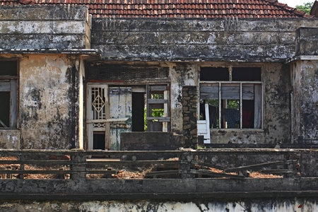 galle: House ruins at Galle Sri Lanka