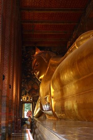 buddha statue: Reclining Buddha statue. Wat Pho, Bangkok, Thailand Stock Photo