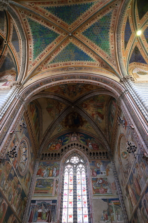 Orvieto - Interior del Duomo. , hermosa Catedral en Orvieto, Umbría, Italia