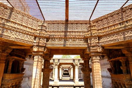 Adalaj Stepwell is a Hindu building in the village of Adalaj near Ahmedabad in the Indian state of Gujarat. Redakční