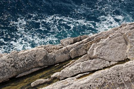 tiefe: Der Felsen und das Meer