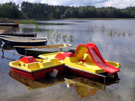 rostrum: Boats and paddle boats