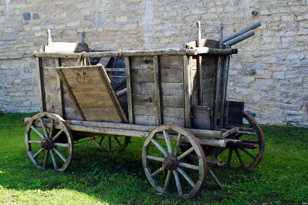 The old cart in the courtyard of the fortress