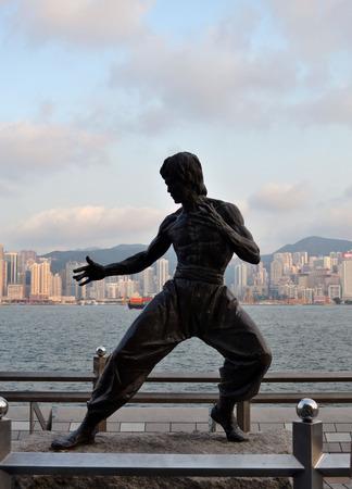 香港スターの大通りでブルース ・ リー像