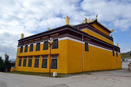 The view around Taktsa Temple in Zoige. Lucky that this place is rarely visited by tourists! Pic was taken in Zoige, Amdo Tibet-China, September 2017. Translation: Tibetan Buddhist Temple Stock Photo