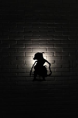 """A silhueta do fantoche javanês, chamado """"Wayang"""". O personagem é Gareng. A foto foi tirada em novembro de 2017. Foto de archivo - 91356910"""