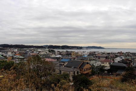 The lookout view of Kamakura city, from Hase-dera Temple. Taken in Kanagawa, Japan - February 2018. Standard-Bild - 98925106