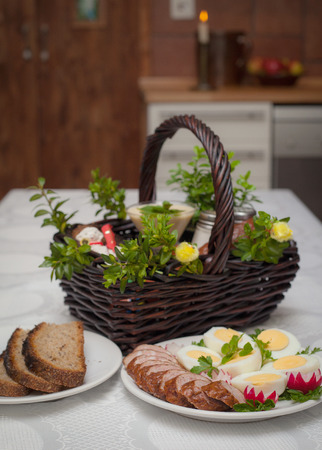 hallowed: Easter table