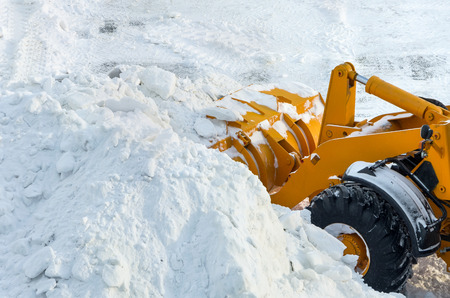 heap snow: Clearing the road from snow