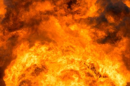 llamas de fuego: Fiery Antecedentes