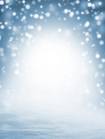 De achtergrond van de winterkerstmis met glanzende sneeuw en blizzard