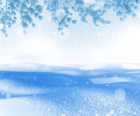 Heller Hintergrund des Winters. Weihnachtslandschaft mit Schneeverwehungen und Tannenzweigen im Frost.