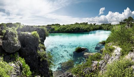 Imagen de la laguna weekuri, la isla de Sumba, Indonesia Foto de archivo - 56784381