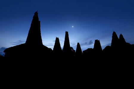tribu: Image of silhouette traditional house of sumba tribe in indonesia