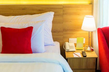 Lights beside the bed inside the hotel room Banque d'images