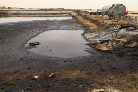 oil left to dry , oil pollution
