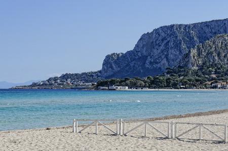 mondello: La spiaggia di Mondello in Palermo Sicilia, Italia Archivio Fotografico