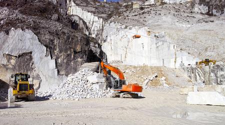 marble quarry in marina di carrara italy Foto de archivo