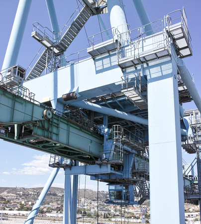 tonnage: detail of a gantry in a harbour Stock Photo