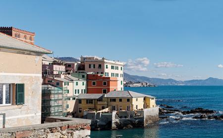 Sehr schönes Dorf namens Boccadasse in Genua Standard-Bild - 96475422