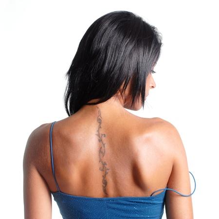 loose hair: ragazza bruna, con abito blu