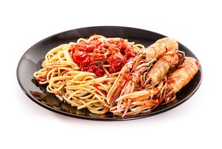 pinot grigio: Isolated shoot of linguine with scampi on white background