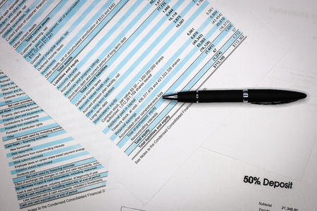 Zakelijke samenstelling. Financiële analyse - resultatenrekening, businessplan Stockfoto