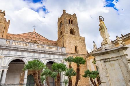 Cathédrale Duomo de Monreale, étendue des exemples d'architecture normande, Sicile, Italie Banque d'images
