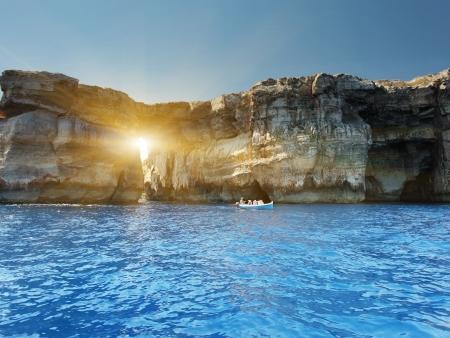 blue lagoon: Fantastic Azure Window, arco di pietra famosa isola di Gozo, Dwejra. Malta
