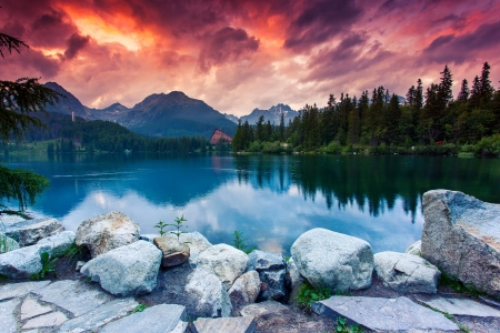 sunrise mountain: Mountain lake in National Park High Tatra. Dramatic overcrast sky. Strbske pleso, Slovakia, Europe. Beauty world.