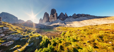 dolomite: Great view of the sunny Lago Rienza - Ursprung in National Park Tre Cime di Lavaredo. Dolomites, South Tyrol. Location Auronzo, Italy, Europe. Dramatic morning scene. Beauty world.