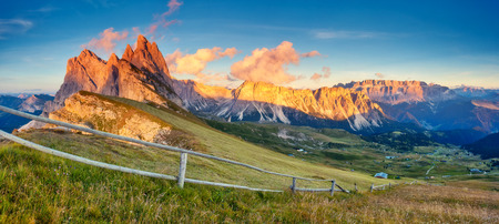 odle: View on the  Odle - Geisler group and Pizes de Cir ridge. National Park valley Val Gardena. Dolomites, South Tyrol. Location Ortisei, S. Cristina, Italy, Europe. Dramatic morning scene. Beauty world.