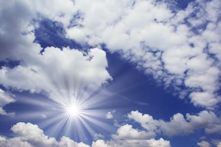 青い空に白いふわふわの雲 写真素材