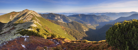 enebro: Beautiful autumn day in the mountains