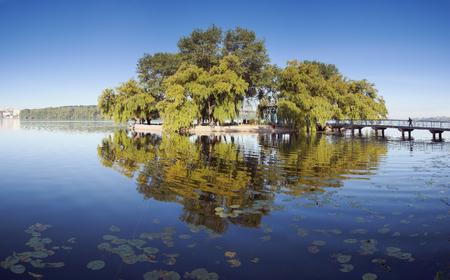 湖と美しい風景