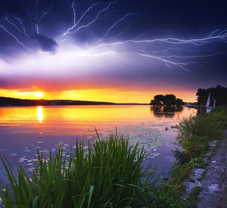 重い雲に嵐の風景 写真素材