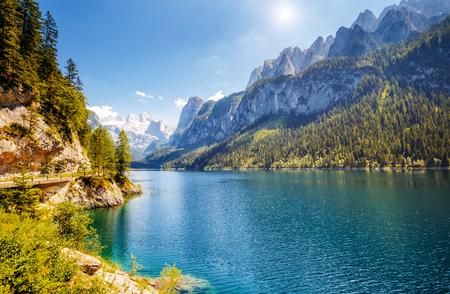 偉大な紺碧アルパイン湖 Vorderer Gosausee。絵のような豪華な朝のシーン。ザルツカンマーグートはオーバーエスターライヒ州ゴーザウ バレーにある有